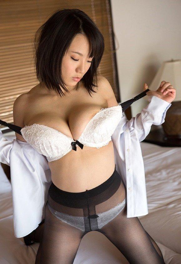 shibuya_kaho1805016.jpg