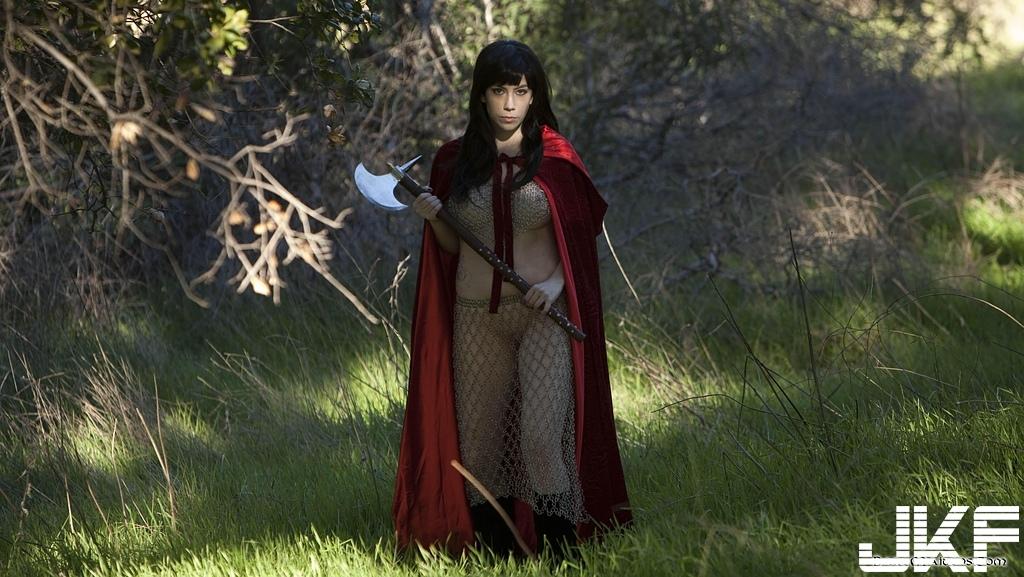 Cosplay busty woman warrior - 貼圖 - 歐美寫真 -