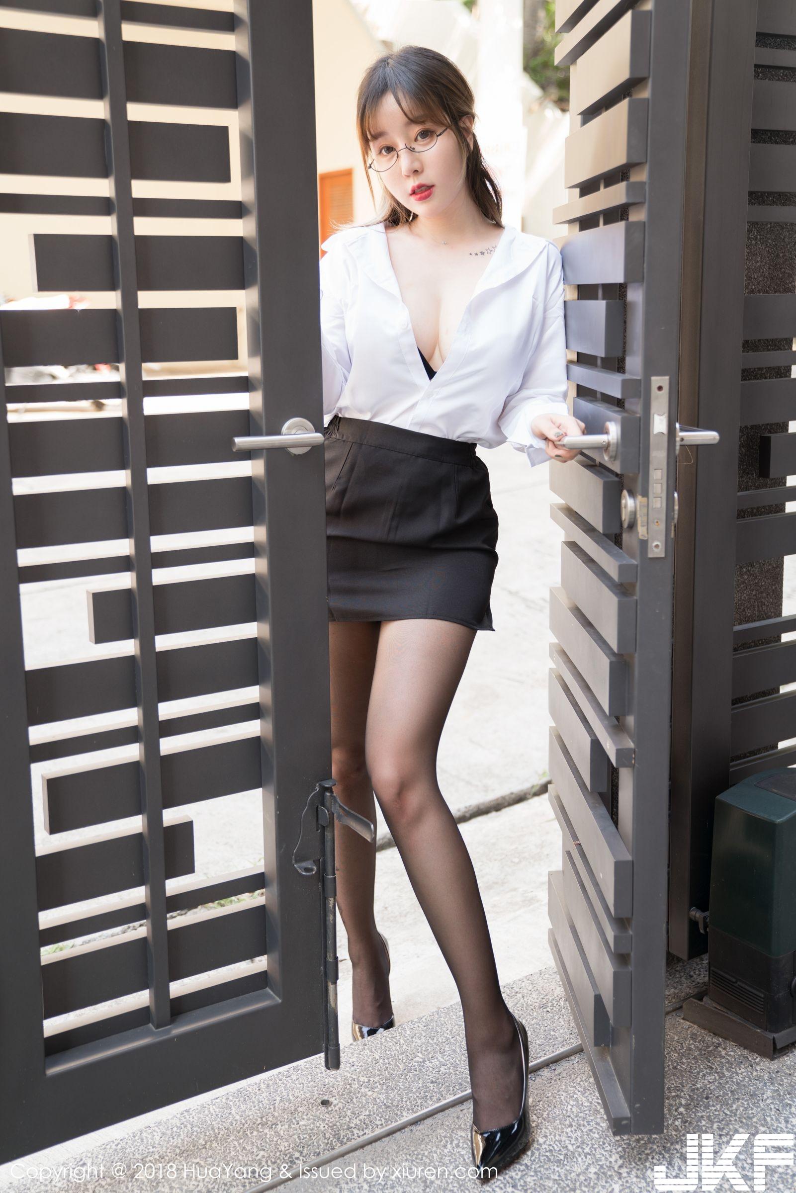 黑絲女神王雨純 職業OL裝戴眼鏡 - 貼圖 - 清涼寫真 -