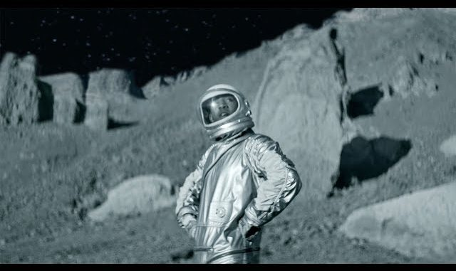 KYLE-To-The-Moon-Video-640x381.jpg