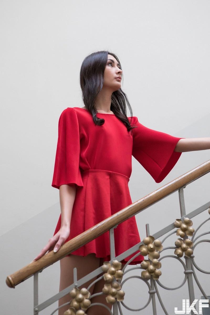 5800DNA_2017_03_09 - Bambi_Red_Dress - 貼圖 - 歐美寫真 -