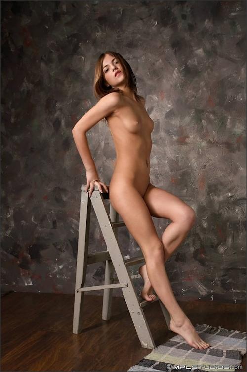 美女 Lara 的性感裸體 - 貼圖 - 歐美寫真 -