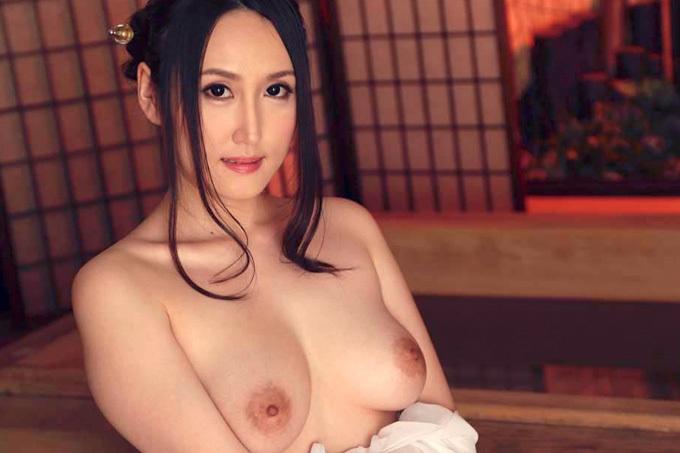 anjelica-mitsuki2_0.jpg