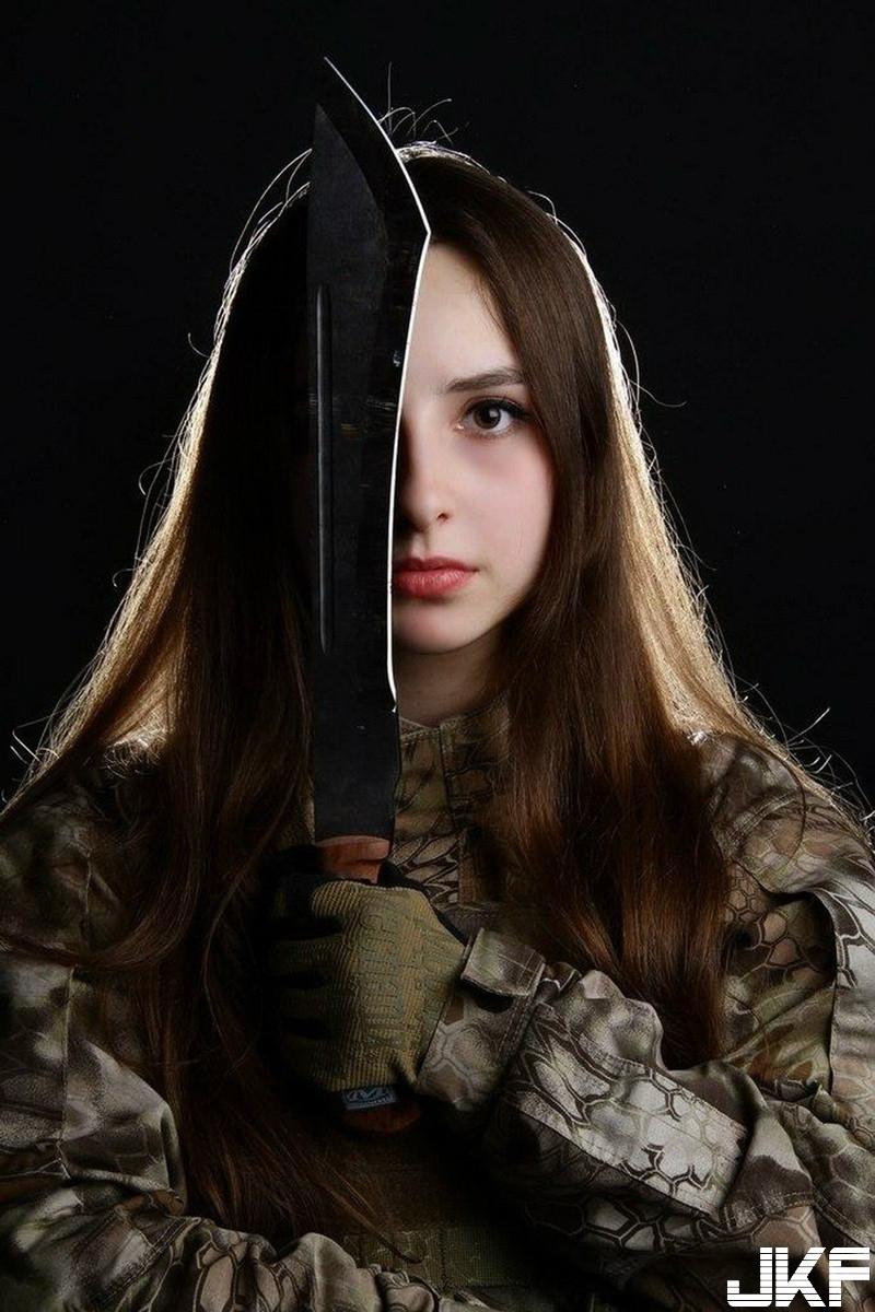 33C俄羅斯正妹士兵 Elena Deligioz 亮眼程度宛如核彈引爆 - 歐美美女 -