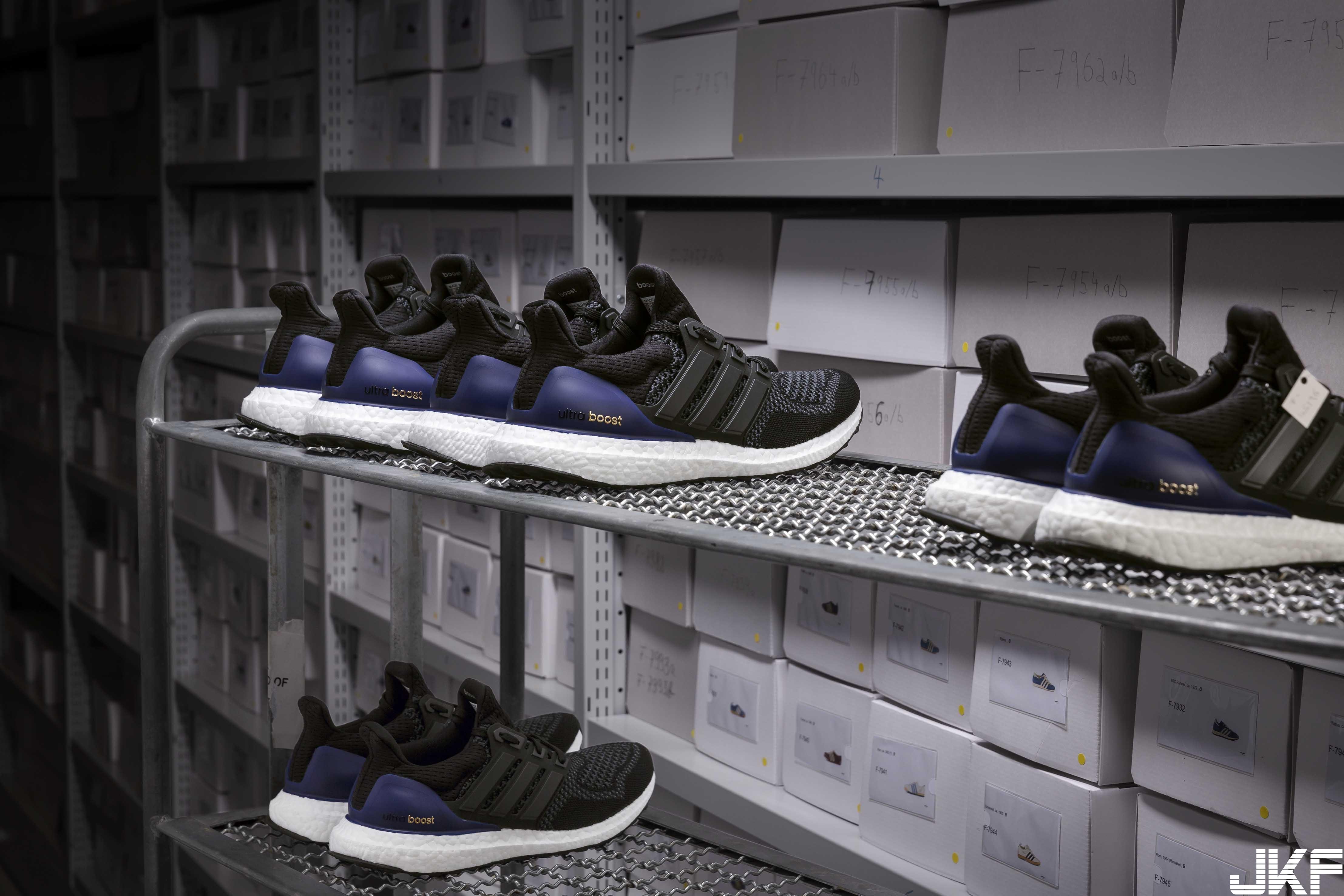 3.全新限量的UltraBOOST跑鞋,搭載adidas招牌BOOST中底,提供足部無與倫比的能量回饋.jpg