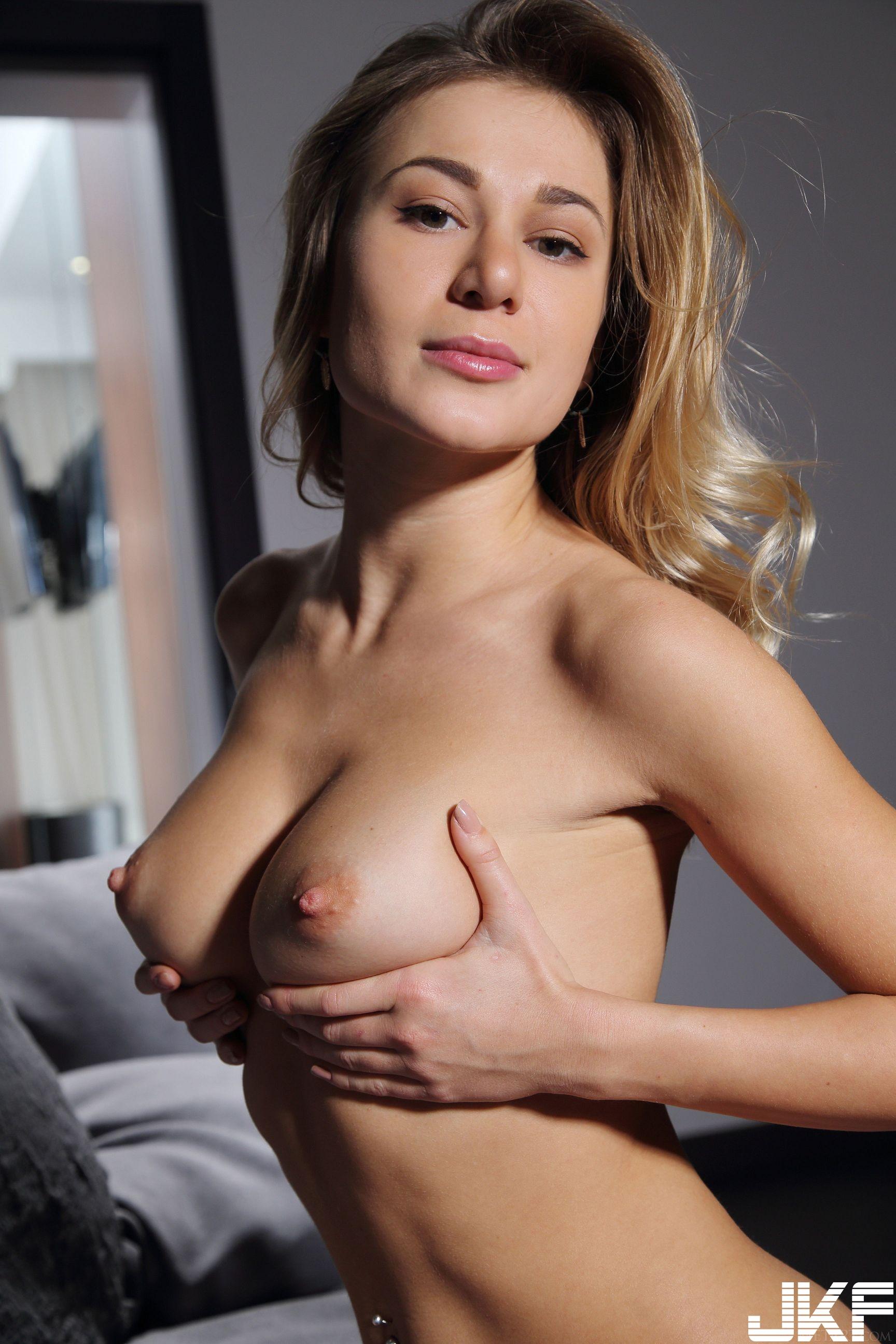 MetArt_Full-Bosom_Candice-B_high_0098.jpg