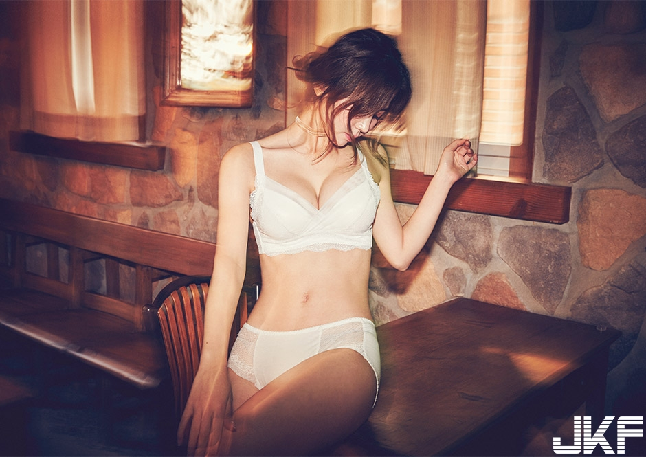 [CHUU] EVE PUSH UP CROCHET BRA + PANTIE SET [WHITE] 008.jpg