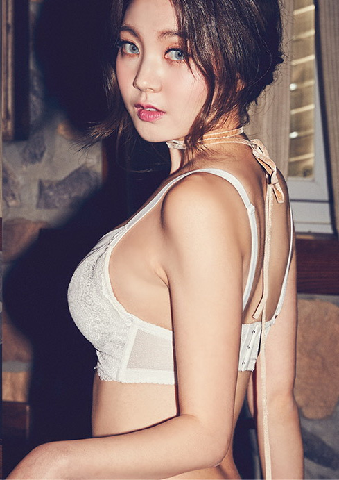 [CHUU] EVE PUSH UP CROCHET BRA + PANTIE SET [WHITE] 014.jpg