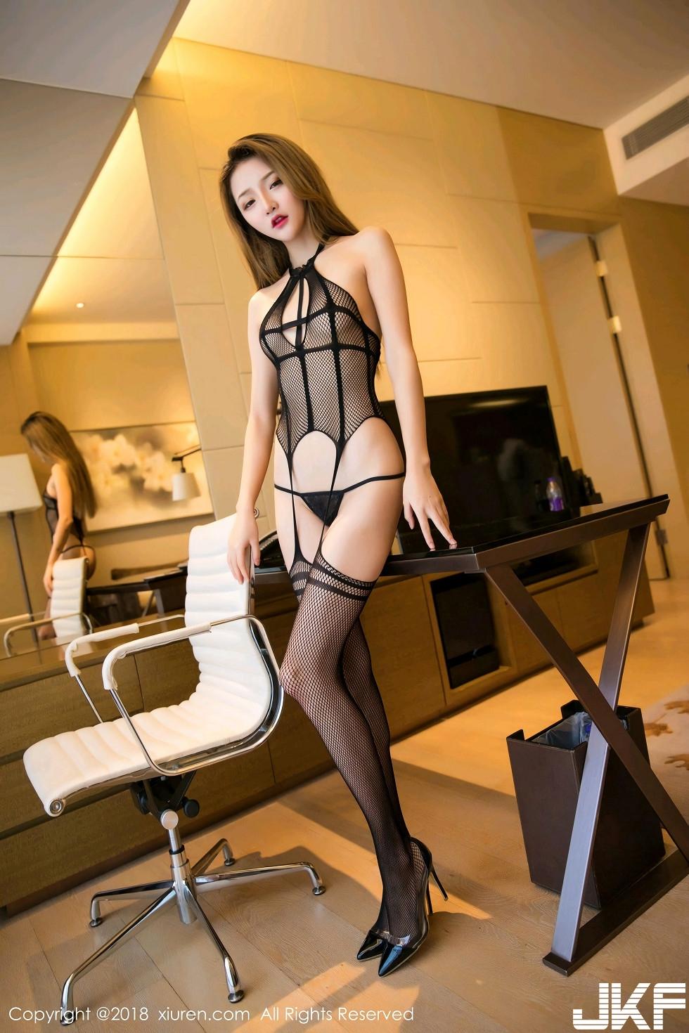 嫩模Miko醬私房黑色情趣網衣配黑色丁字褲完美火辣誘惑寫真 - 貼圖 - 清涼寫真 -