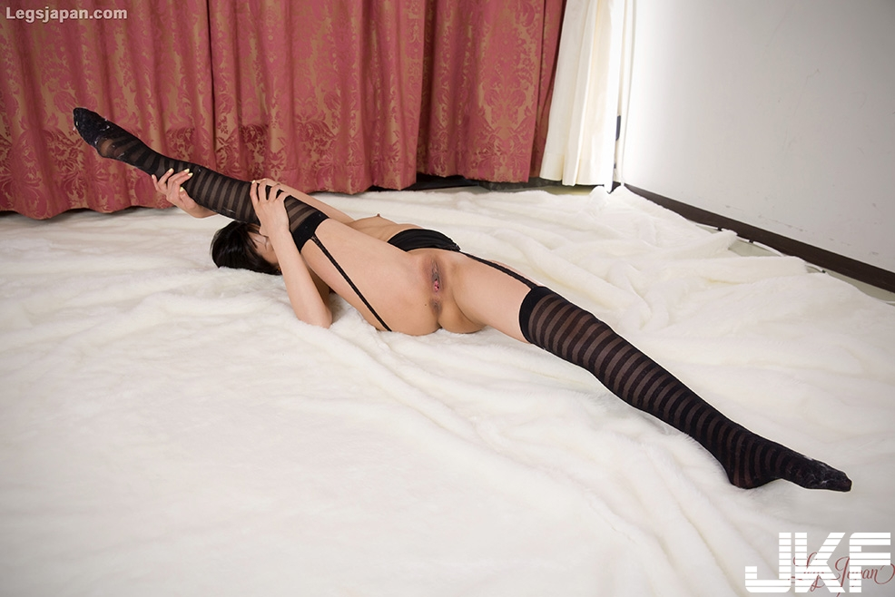 Shaved Petite Asian Uta Kohaku with Small Tits Wearing Stockings - Image Gallery.jpg