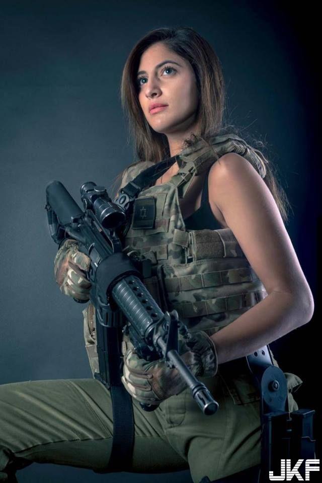 以色列大奶中士班長 Yarden 手靠著「肉彈級核乳」打槍都不會酸... - 歐美美女 -