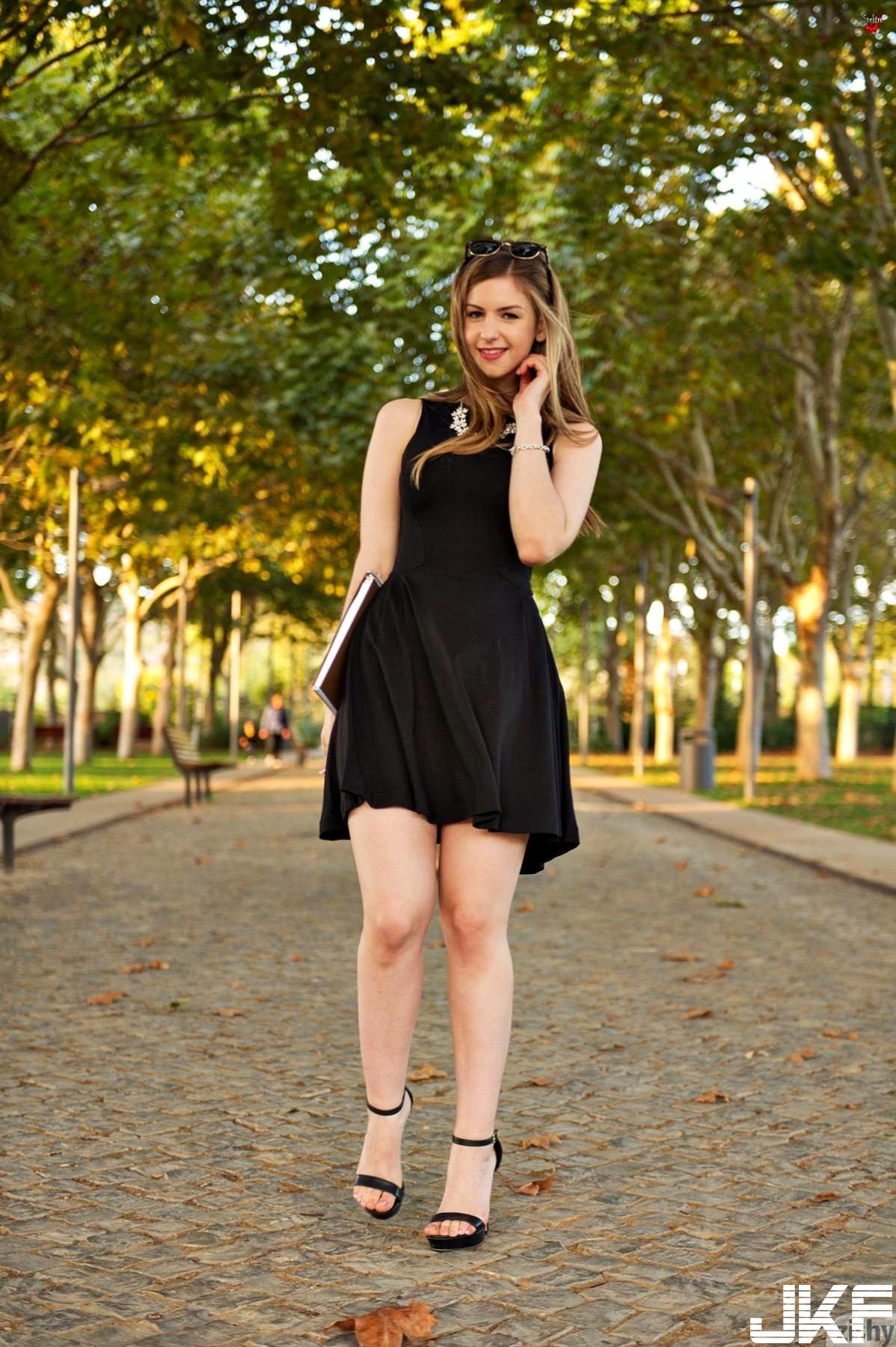 Nonnude-Babe-Stella-Cox-Wearing-Platform-High-Heels-8.jpg