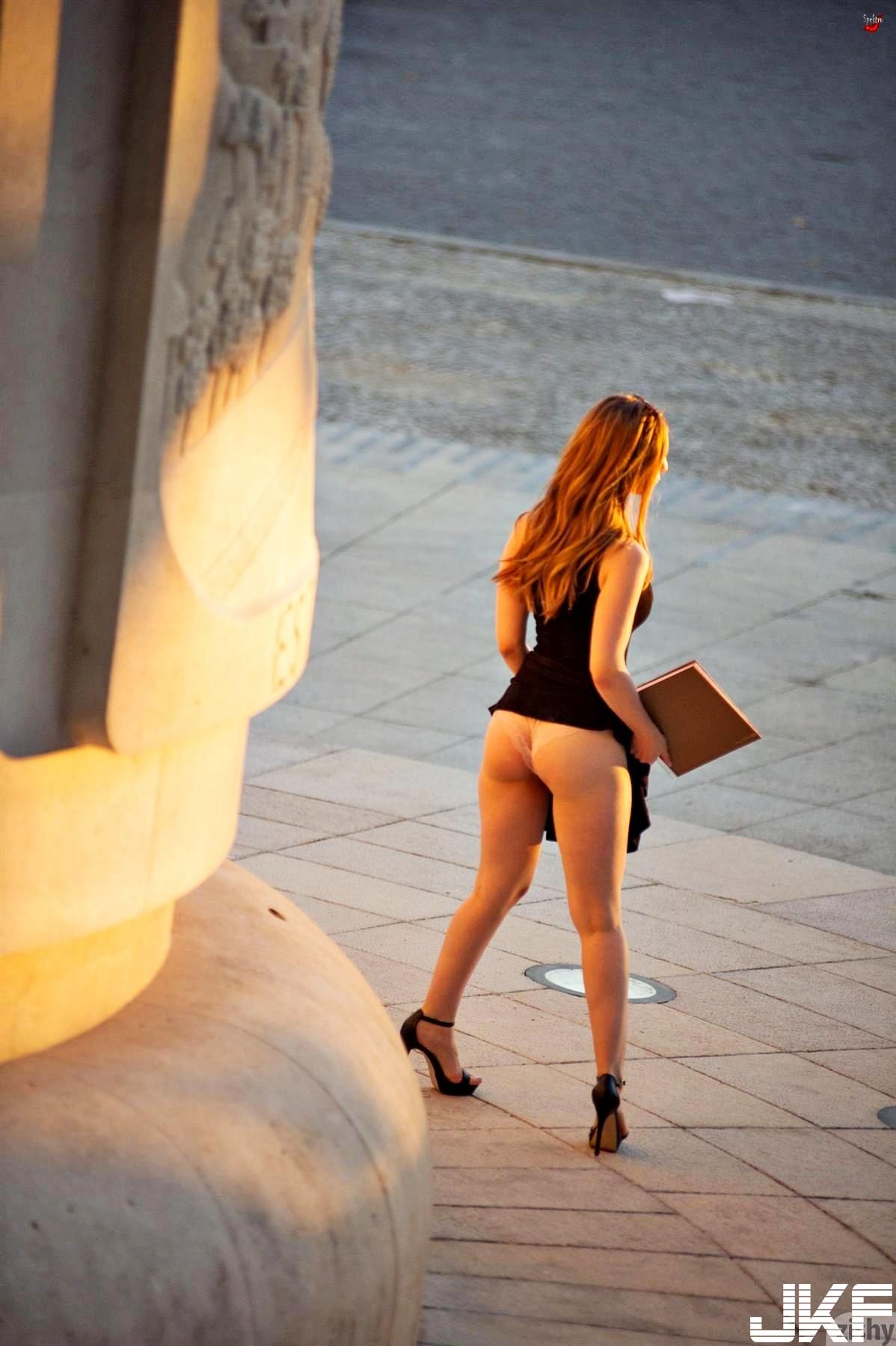 Nonnude-Babe-Stella-Cox-Wearing-Platform-High-Heels-17.jpg