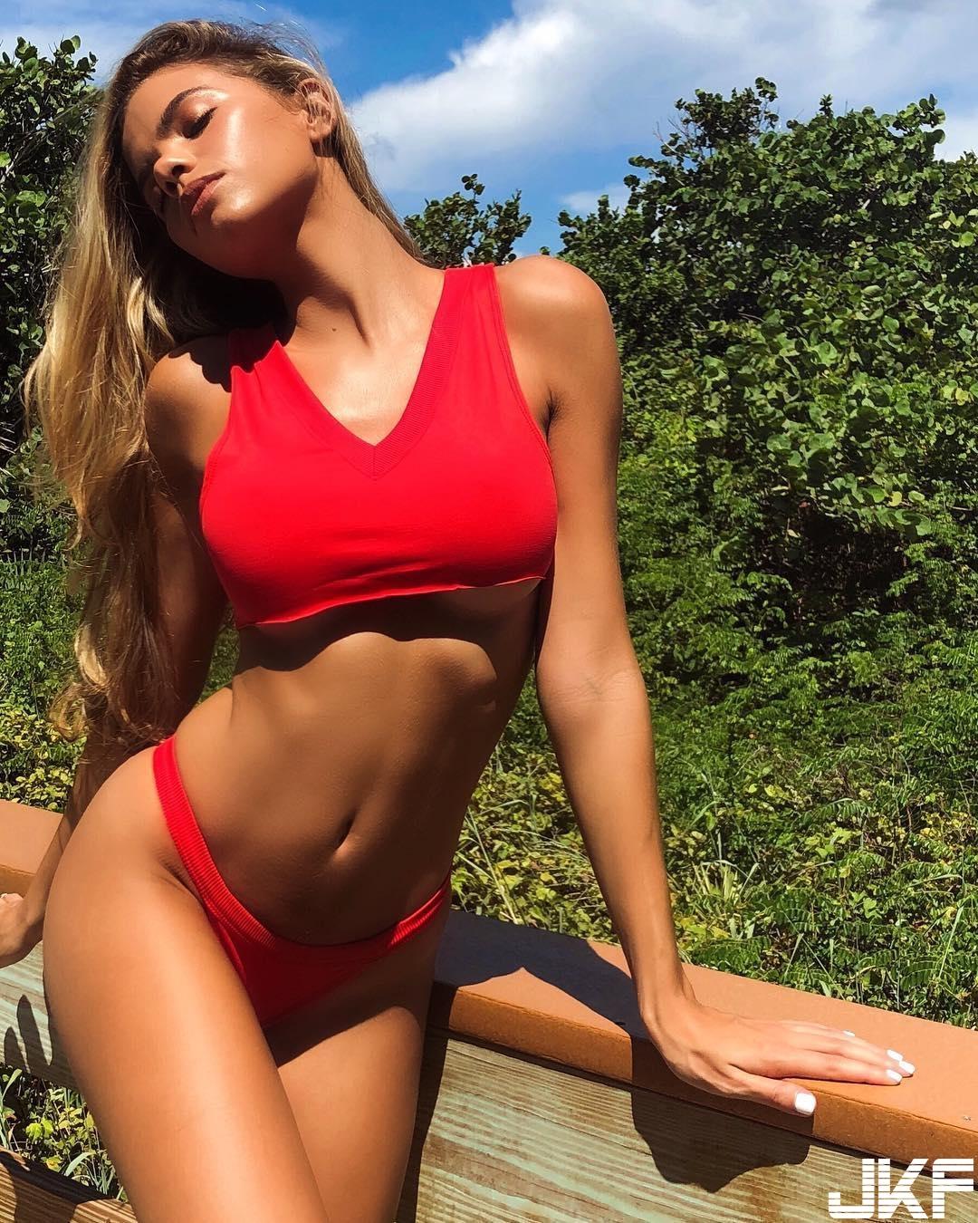 比基尼嫩模Alli Martinez - 歐美美女 -