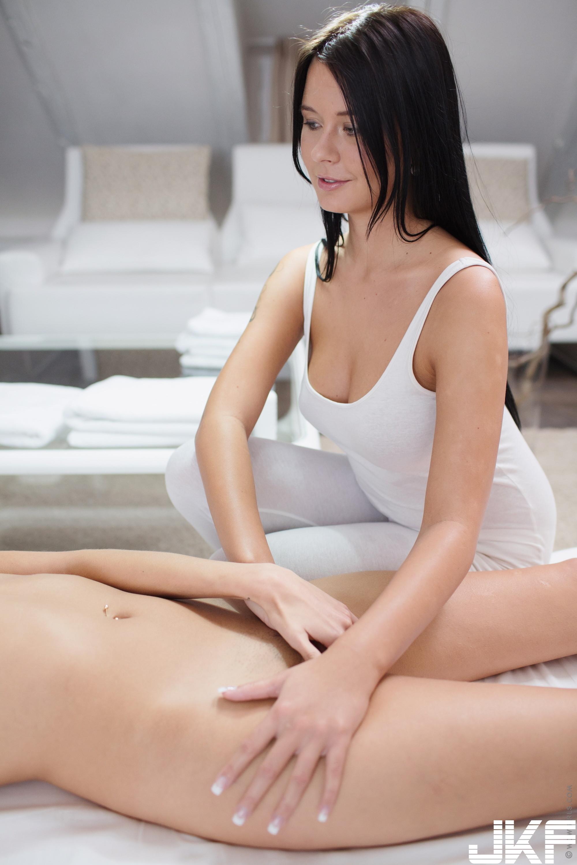 Teen-Shaved-Raven-Haired-Brunette-Silvie-Deluxe-with-Clit-Enjoying-Massage-b1 (15).jpg
