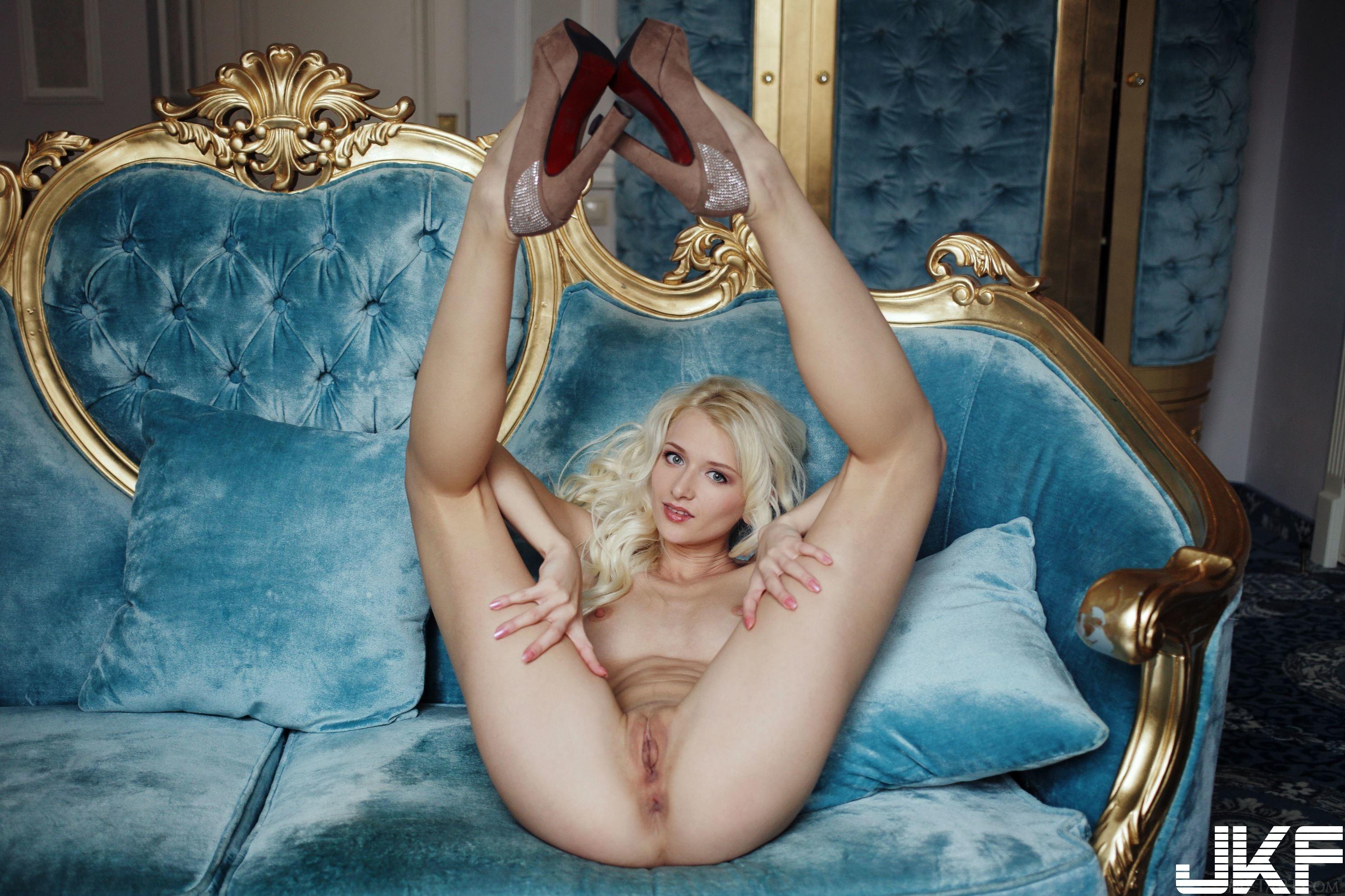 Shaved-Blonde-Adelia-B-with-Open-Pussy-Wearing-Platform-High-Heels-14.jpg