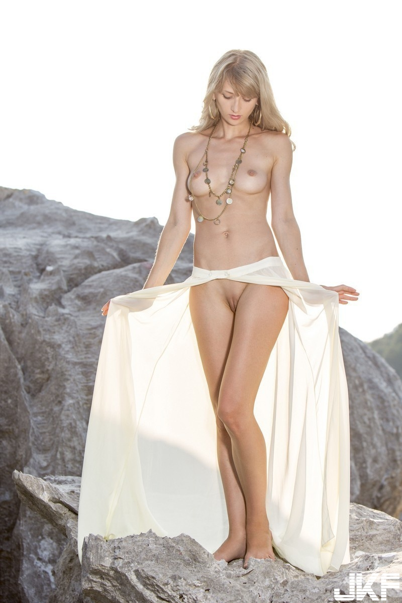 Shaved-Blonde-Adelia-B-with-Perky-Tits-from-Met-Art-2.jpg