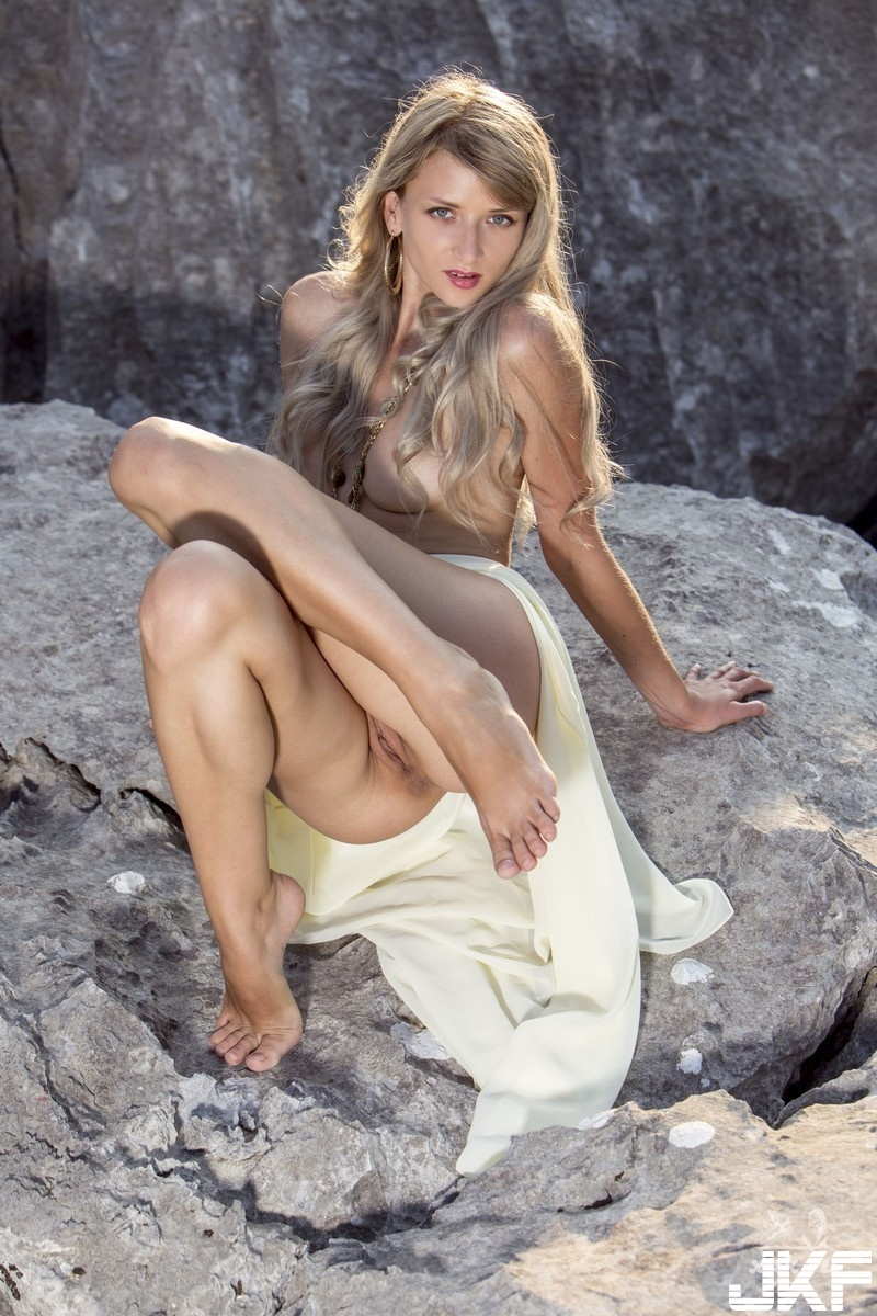 Shaved-Blonde-Adelia-B-with-Perky-Tits-from-Met-Art-6.jpg