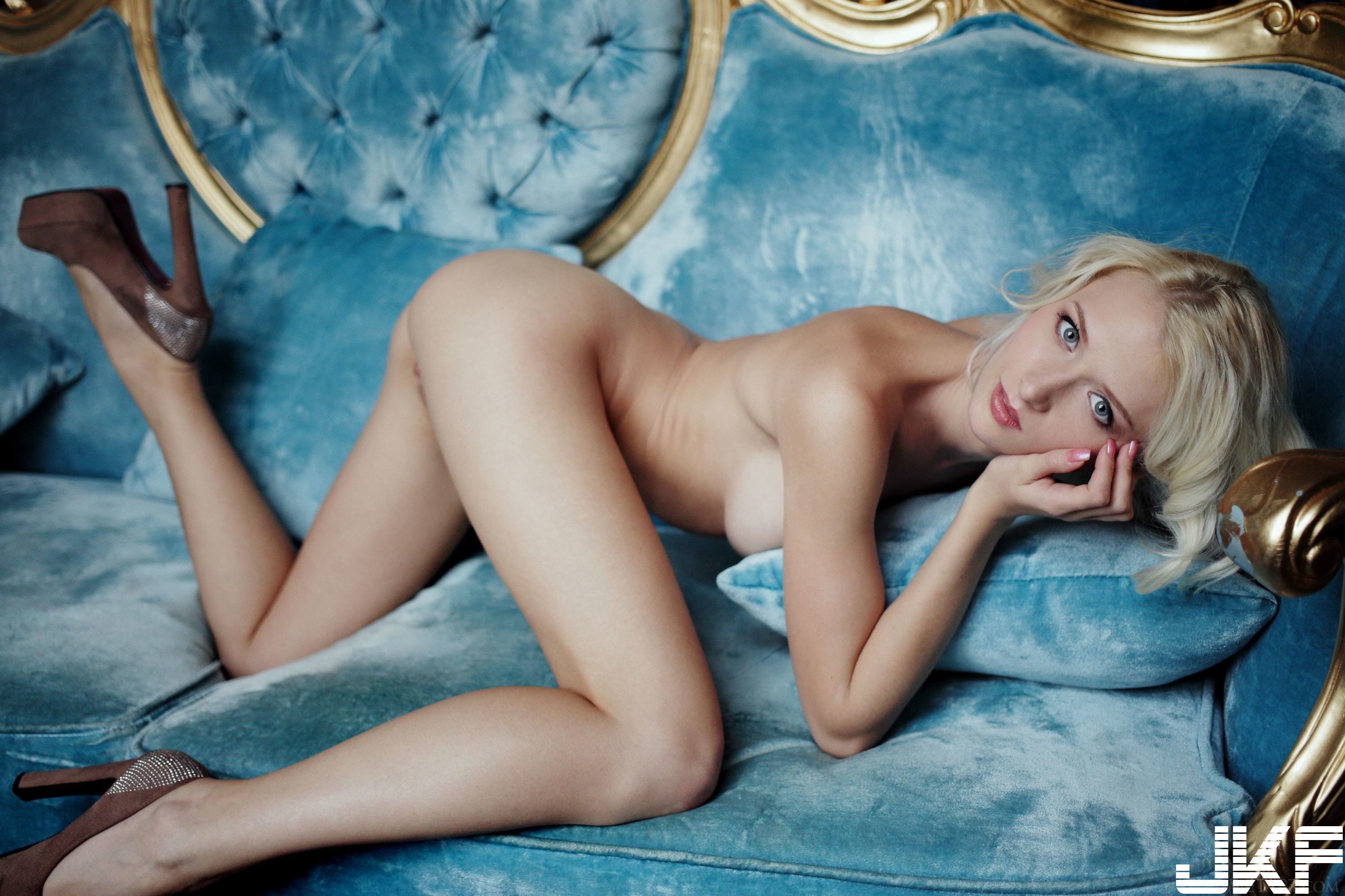 Shaved-Blonde-Adelia-B-with-Thick-Nipples-19.jpg