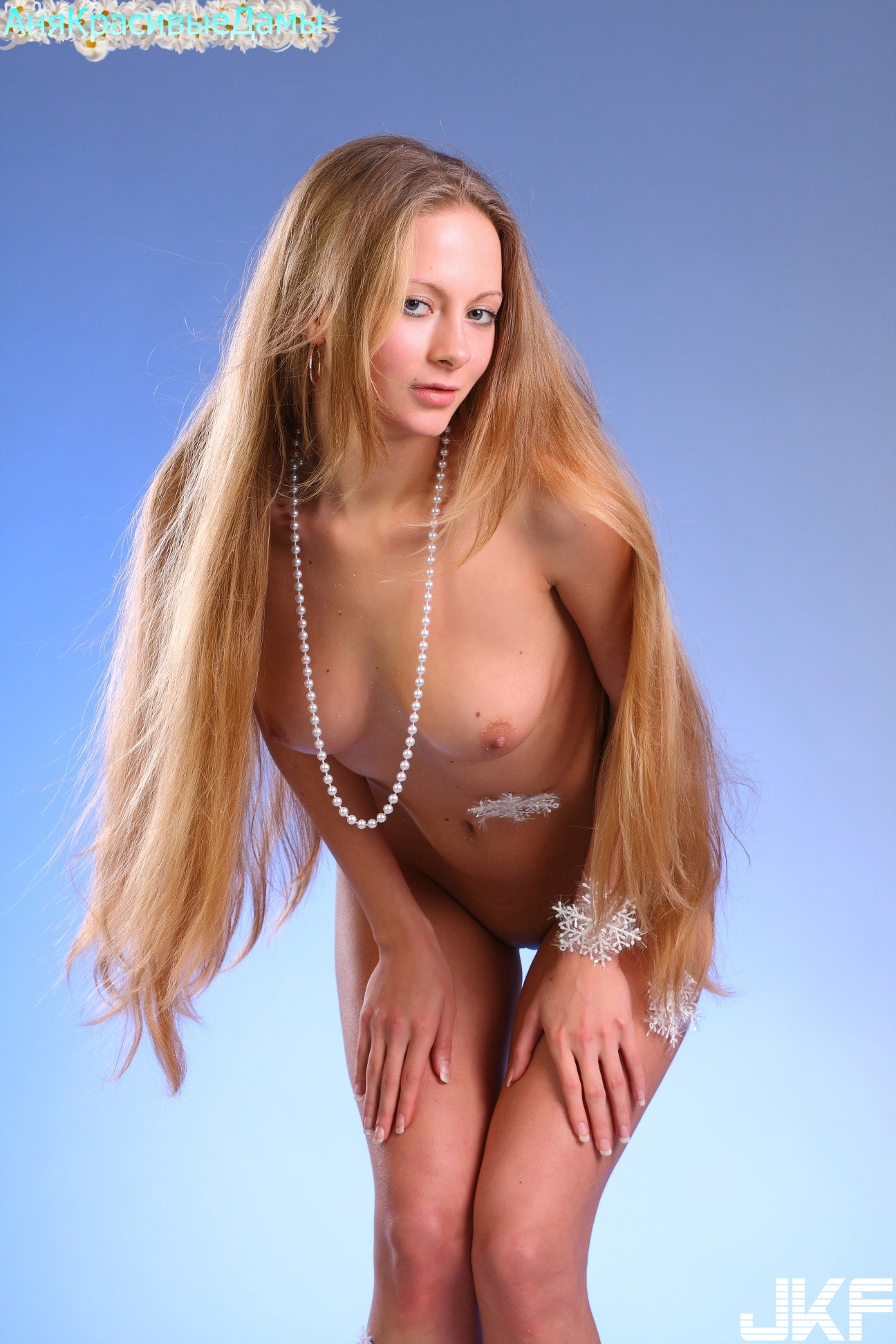 Shaved-Frances-A-with-Plump-Pussy-23.jpg