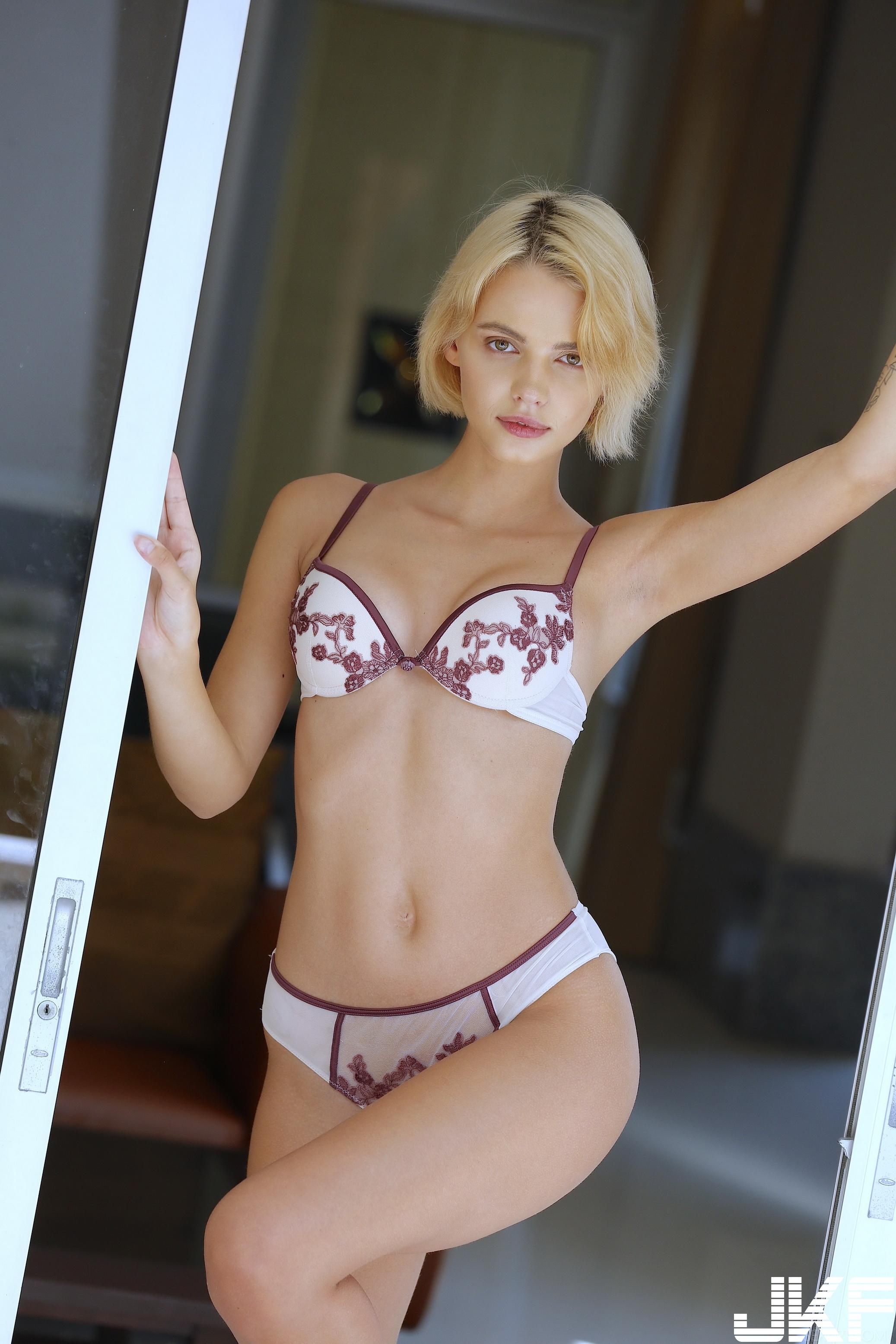 SexArt_Zemie_Lilit-A_high_0007.jpg