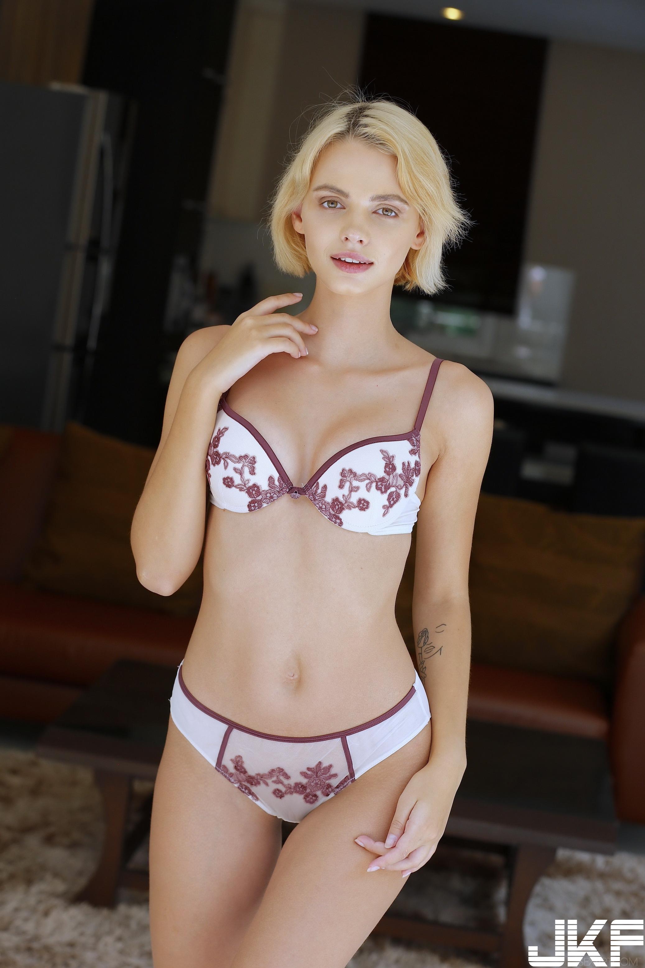 SexArt_Zemie_Lilit-A_high_0013.jpg