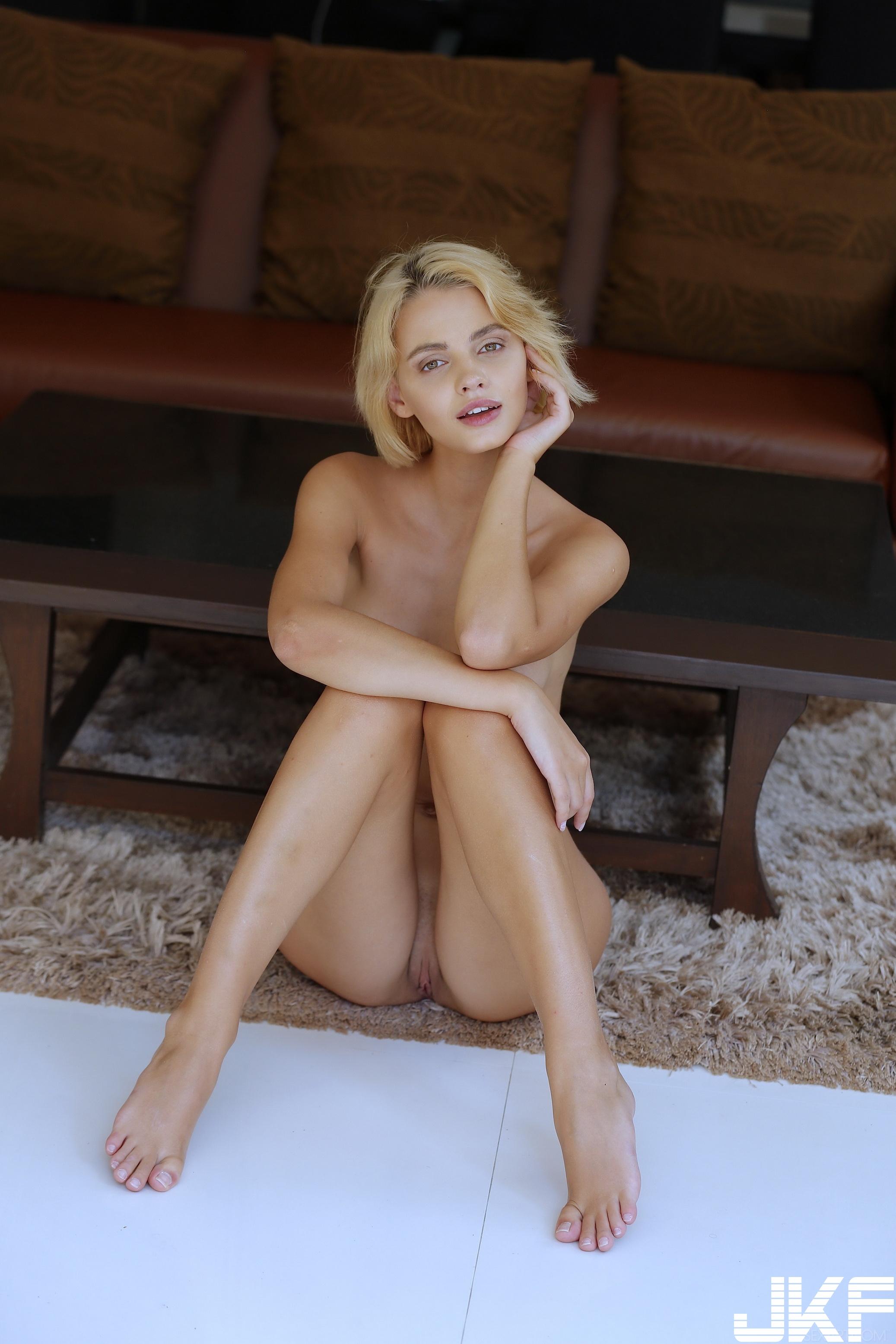 SexArt_Zemie_Lilit-A_high_0128.jpg