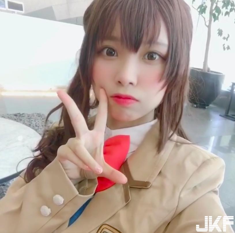 超人氣美少女「liyuu」制服照瘋傳,「完美童顏」讓人想立刻抱緊處理!