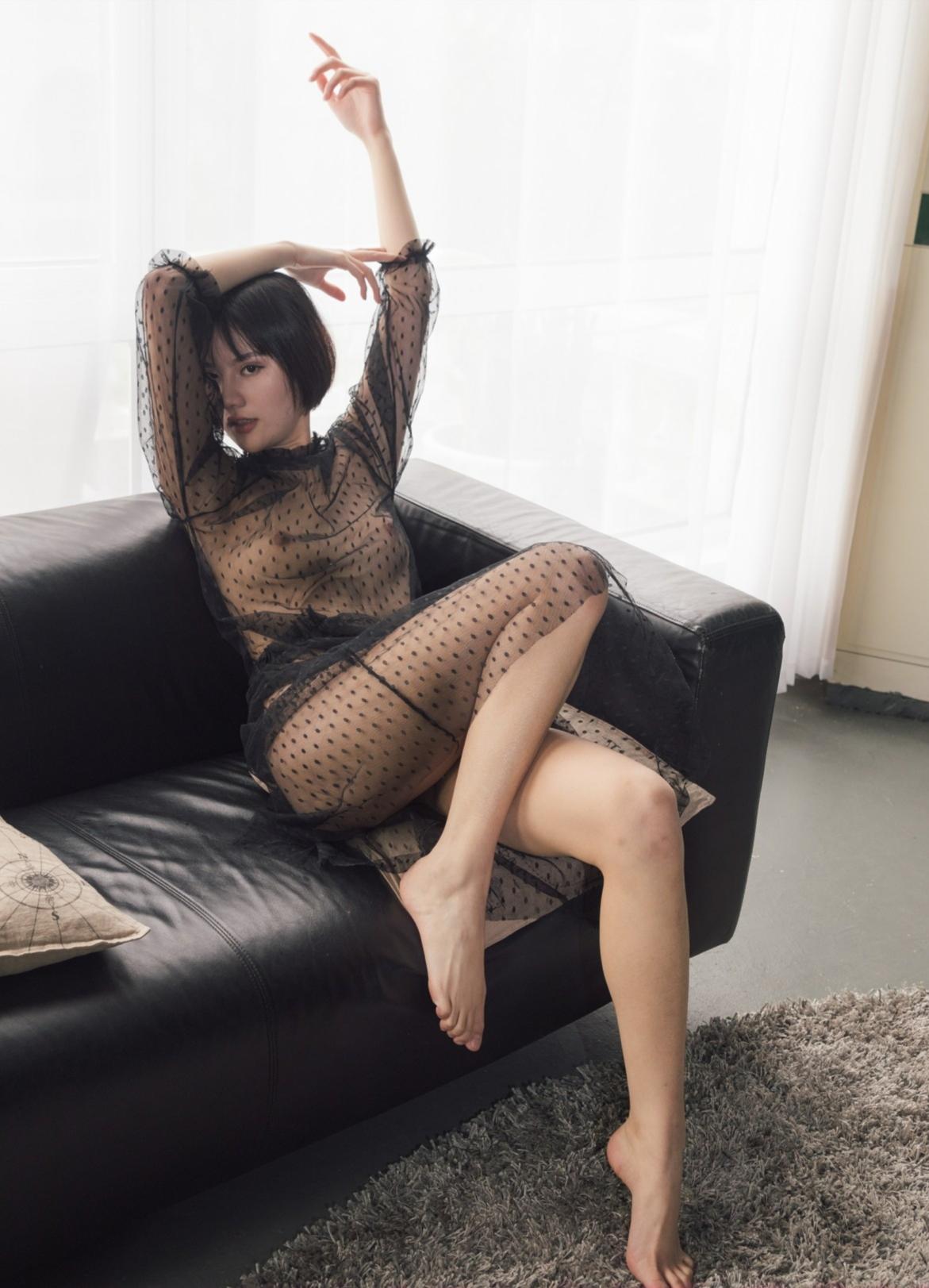 [國模系列] 丁莉 私拍 - 貼圖 - 絲襪美腿 -