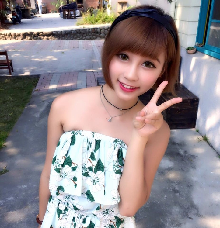 美術補習班助教兼職性感麻豆的 Doreen Iin - 美女圖 -