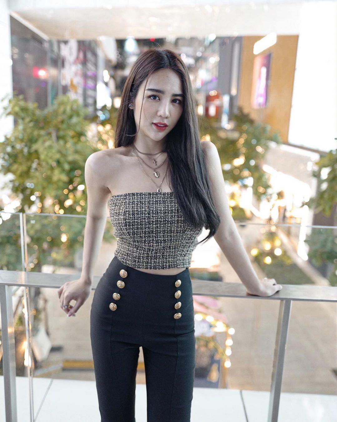 妖豔泰國姊姊嫵媚身影 強勢電力雙眼看得不要不要 - 亞洲美女 -
