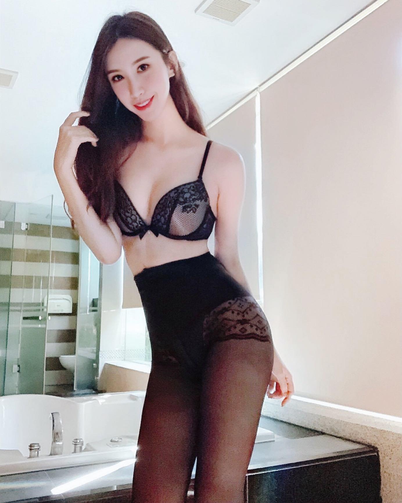 「胸」狠 完美魔鬼身材看了好癢  duoduoStephy - 美女圖 -