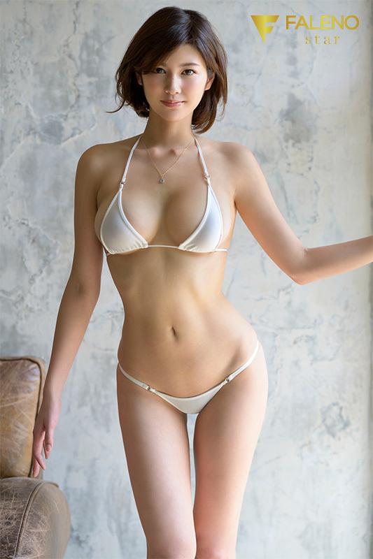 【動圖】寫真集の売上ランキング1位を獨占した神戸の女「美乃すずめ」が10月... - 貼圖 - 性感激情 -