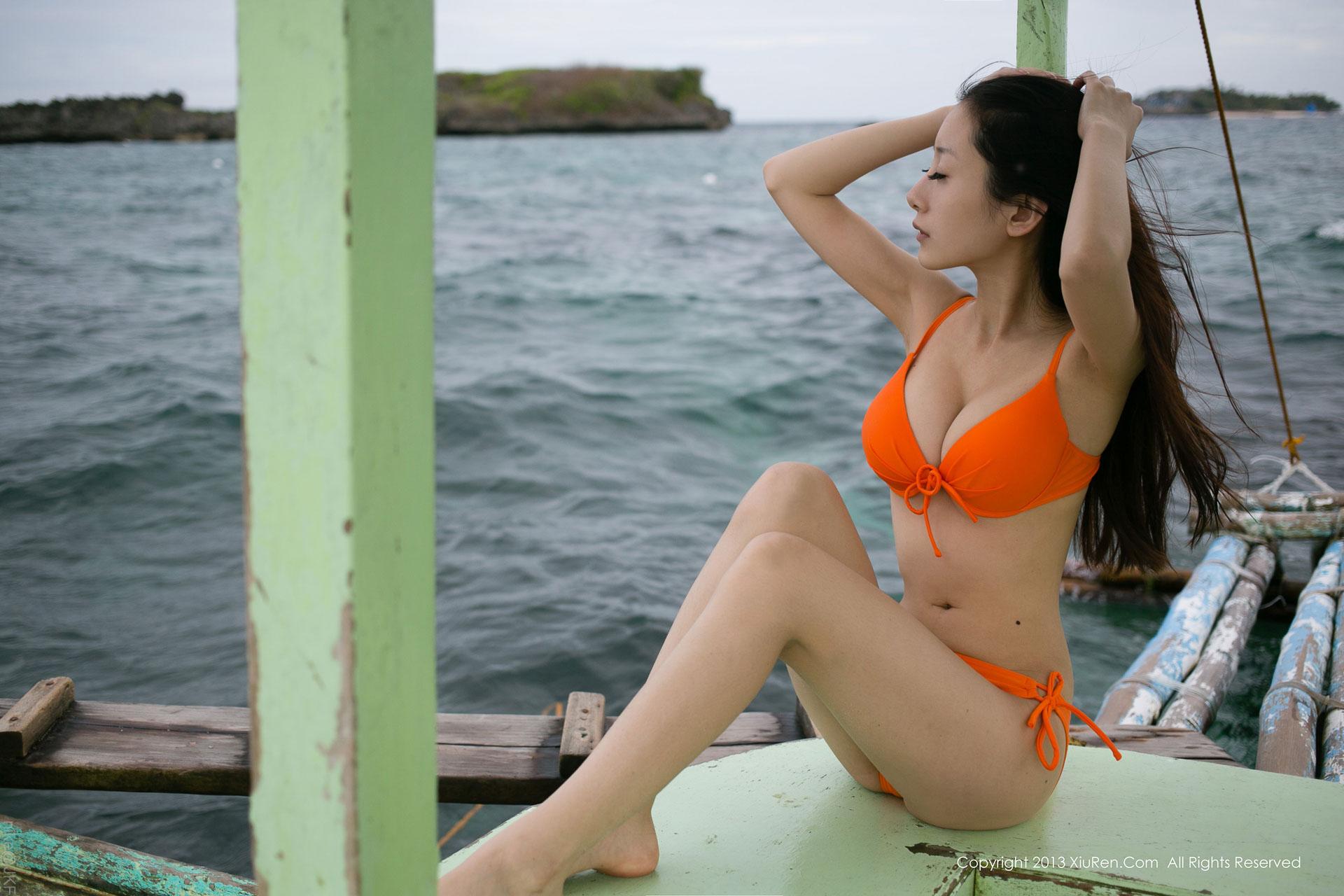 海邊約會小小白思宜比基尼下的白嫩性感曲線盡收眼底[XiuRen秀人]028 - 貼圖 - 清涼寫真 -