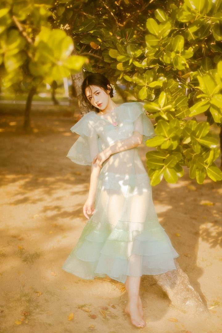 好似油畫中的清純美女宛如仙子 - 美女圖 -
