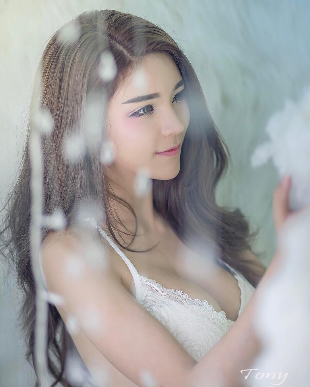 泰國迷人車模Janet - 亞洲美女 -