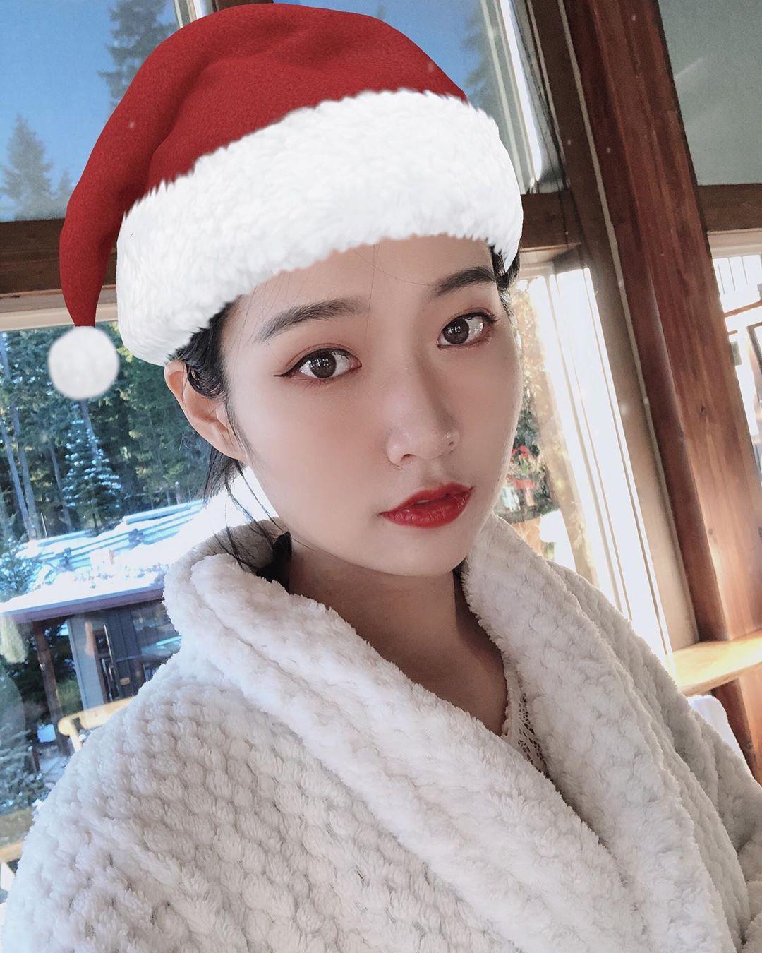 今年的聖誕節特別不一樣 Xu Zhou - 美女圖 -