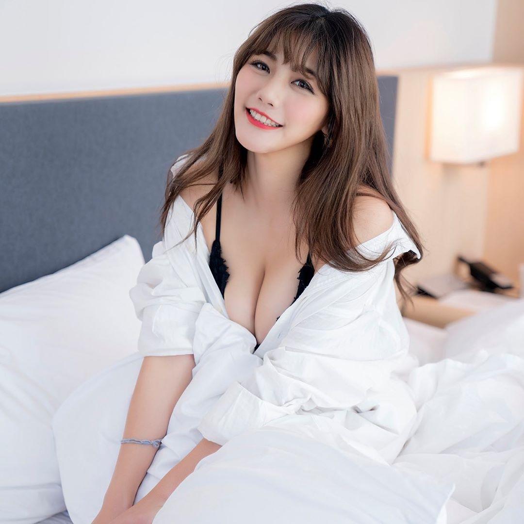 _vv_chen34  美乳蜜臀模特兒  嶄露火辣身材曲線 - 素人正妹 -