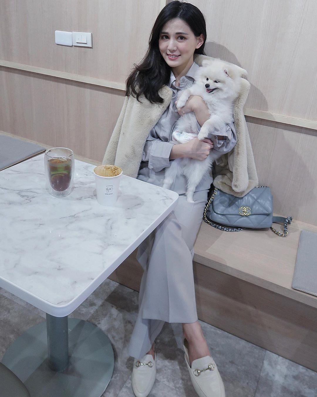ooolin0114_s Media_ 初一帶雪寶寶喝咖啡☕️.jpg