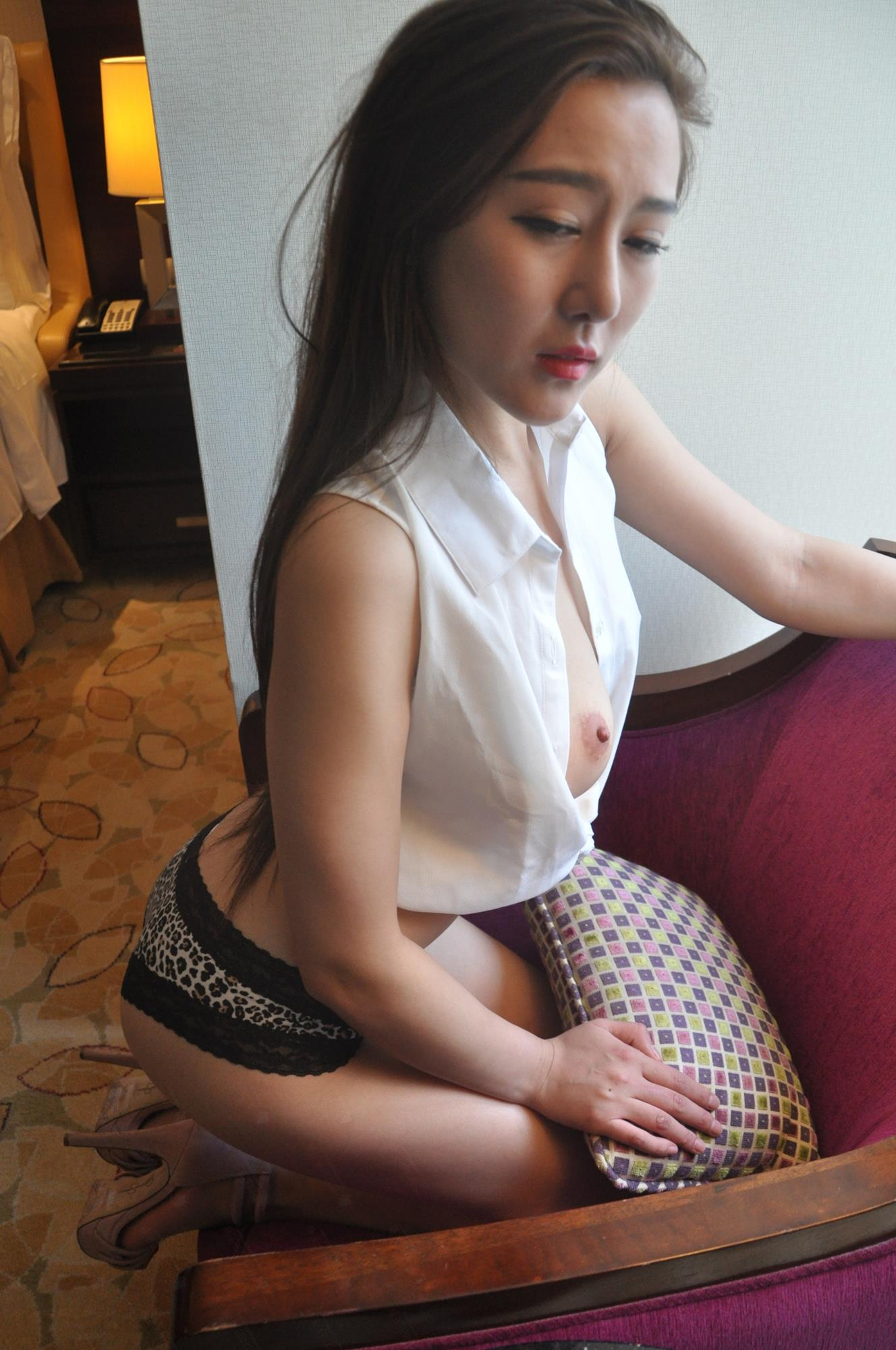 國模秦雪 大尺(二)100 - 貼圖 - 絲襪美腿 -