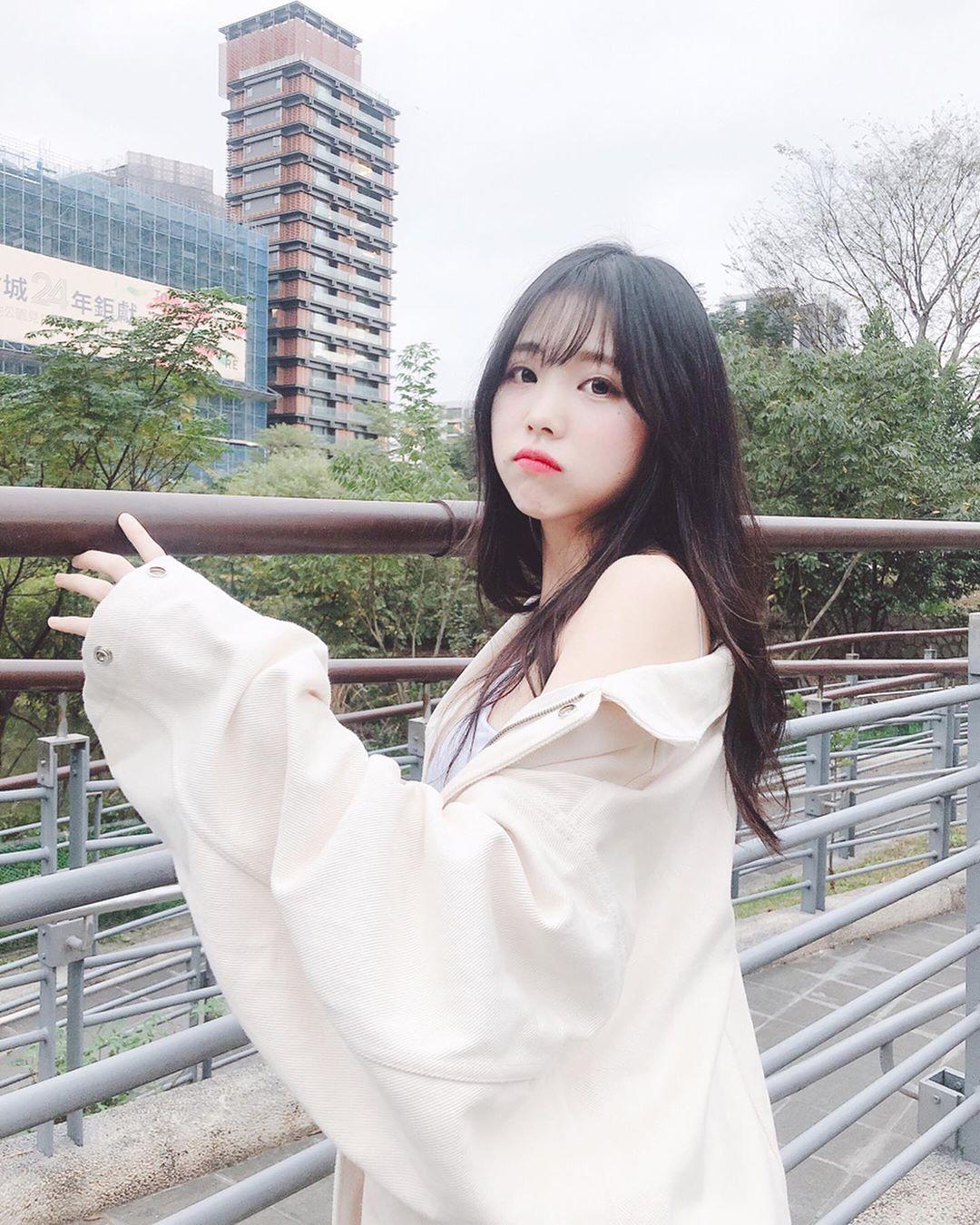 清純長髮萌妹趙兔兔