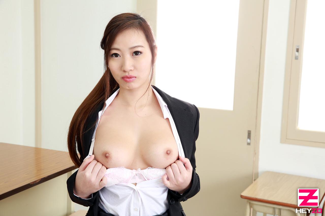 初音ろりあ- 禁斷愛~老師的乳房是美味 - 貼圖 - 性感激情 -