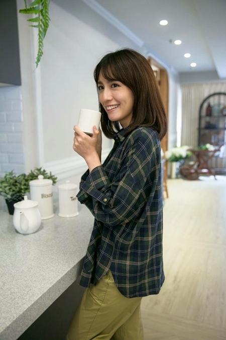 麥當勞咖啡廣告袁小姐就是「她」捧著卡布奇諾笑容超甜!網友:被療癒了 - 美女圖 -