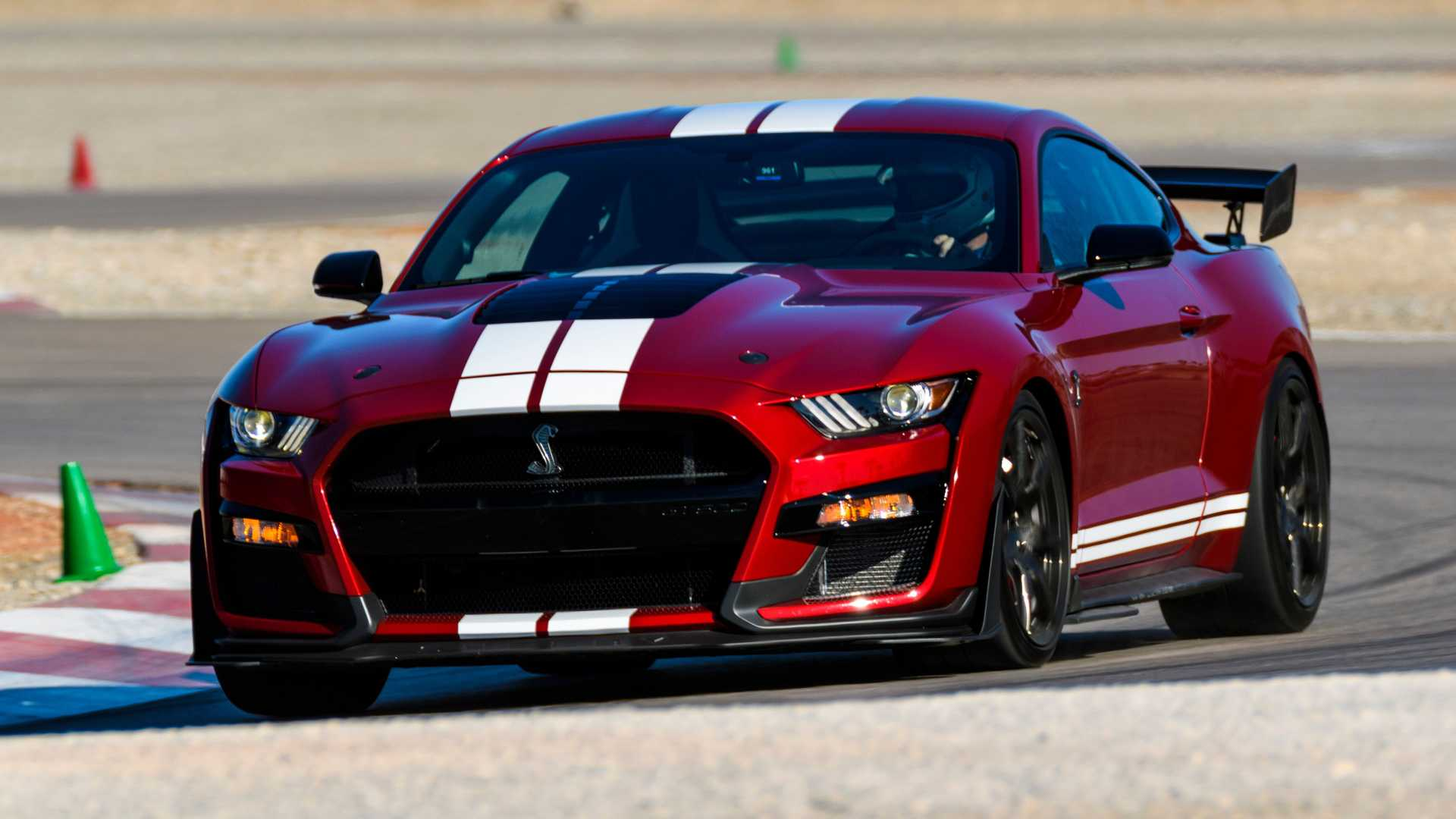 2020-ford-mustang-shelby-gt500-first-drive (2).jpg