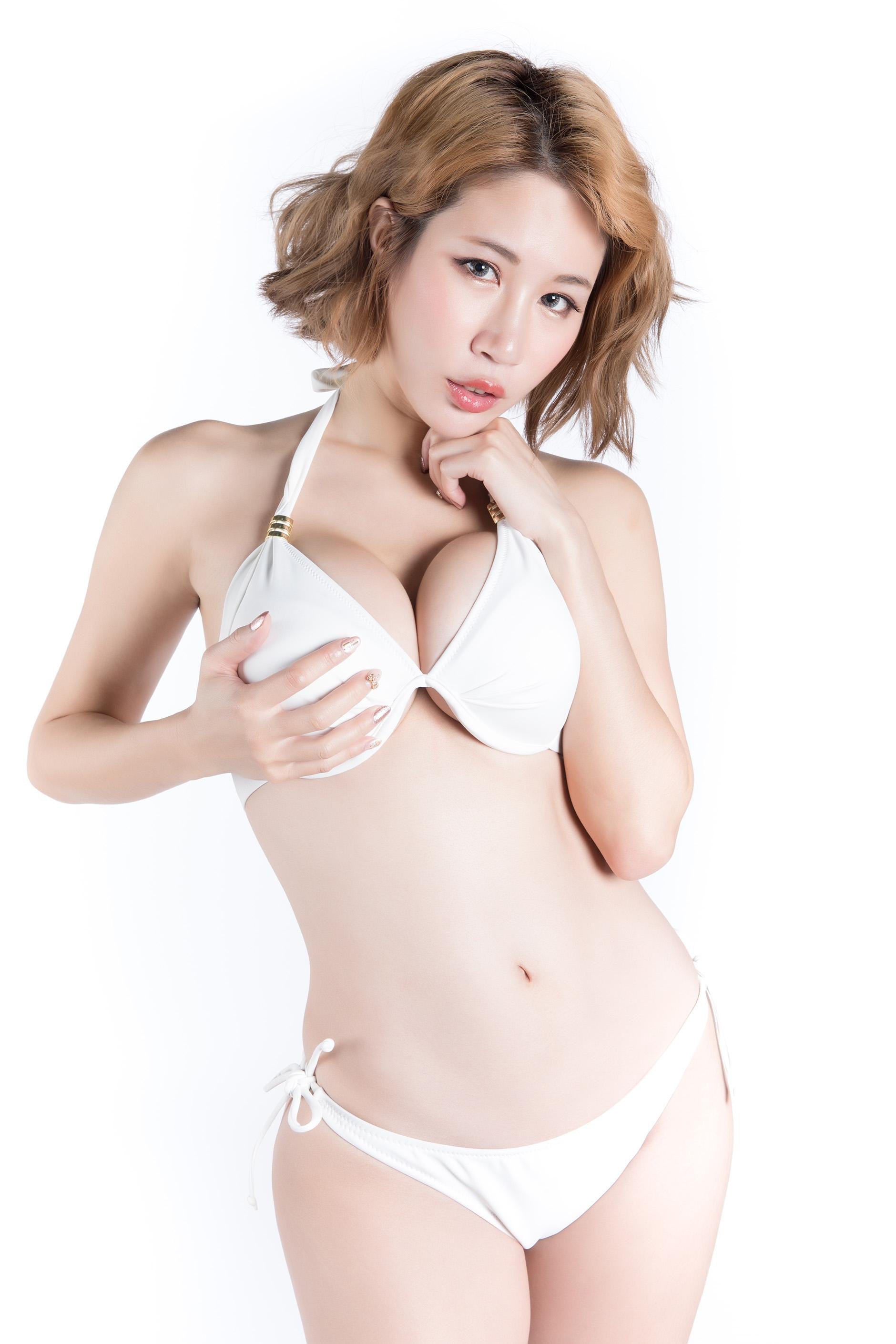 神奇爆乳嫩模 辛尤里 [30P] - 美女圖 -