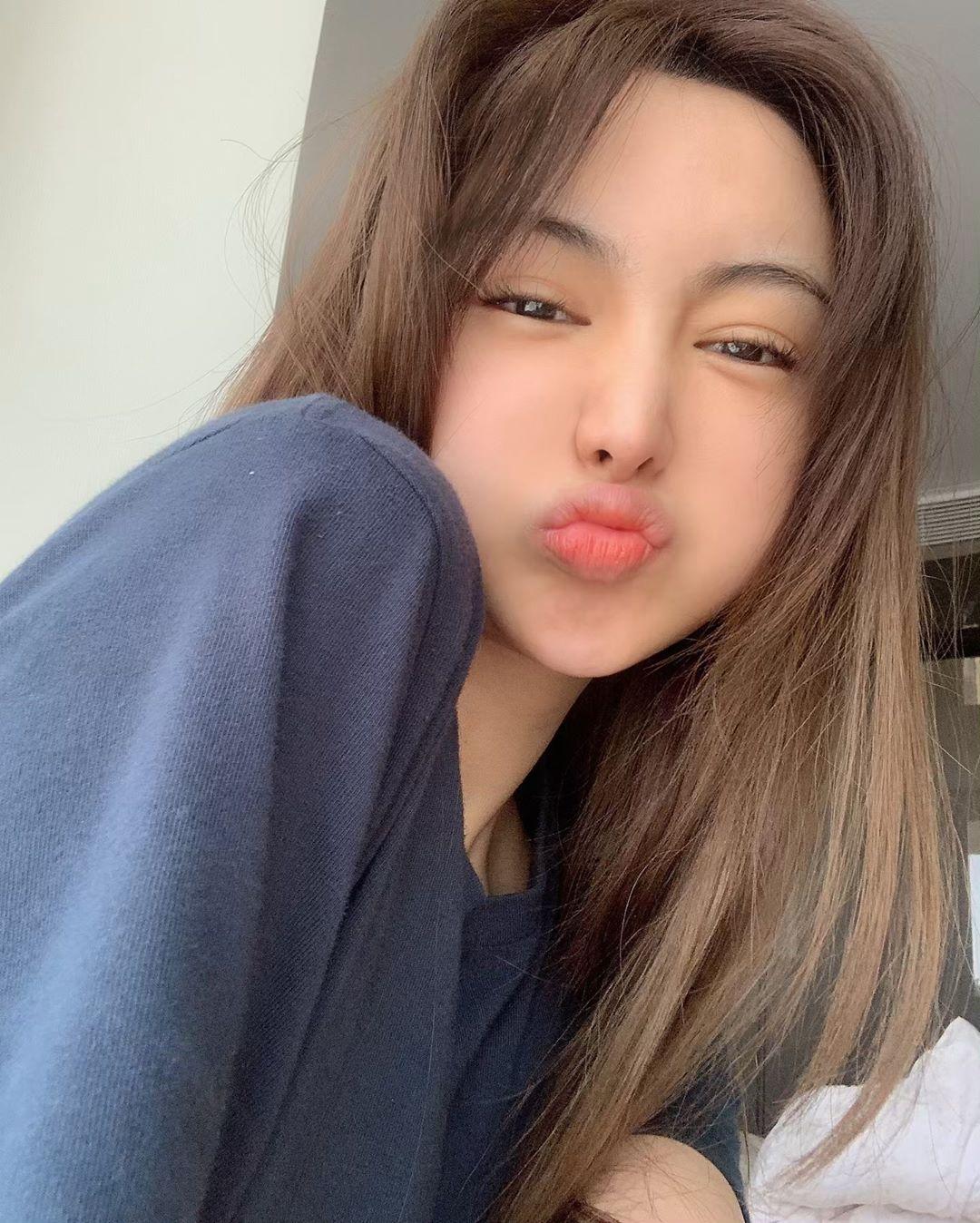 請看我的唇 安珠利 - 美女圖 -