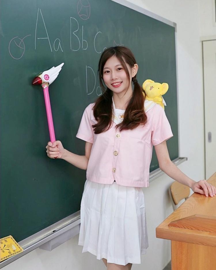 幼稚園老師有胸又有腿~ - 美女圖 -