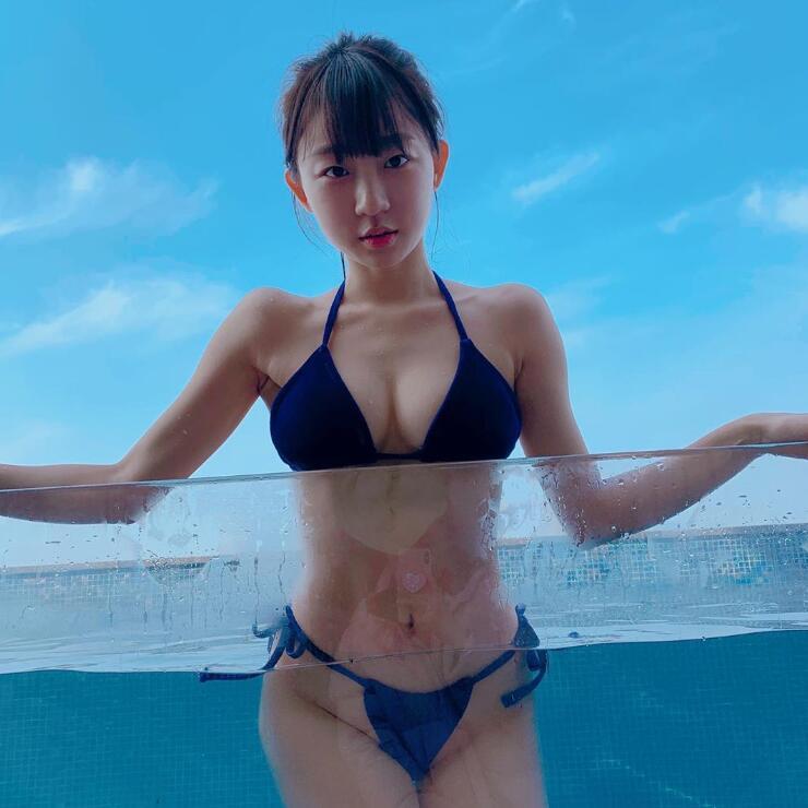 韓國DJ 比堅尼拍片分享 享受酒店溫泉泳池 - 亞洲美女 -