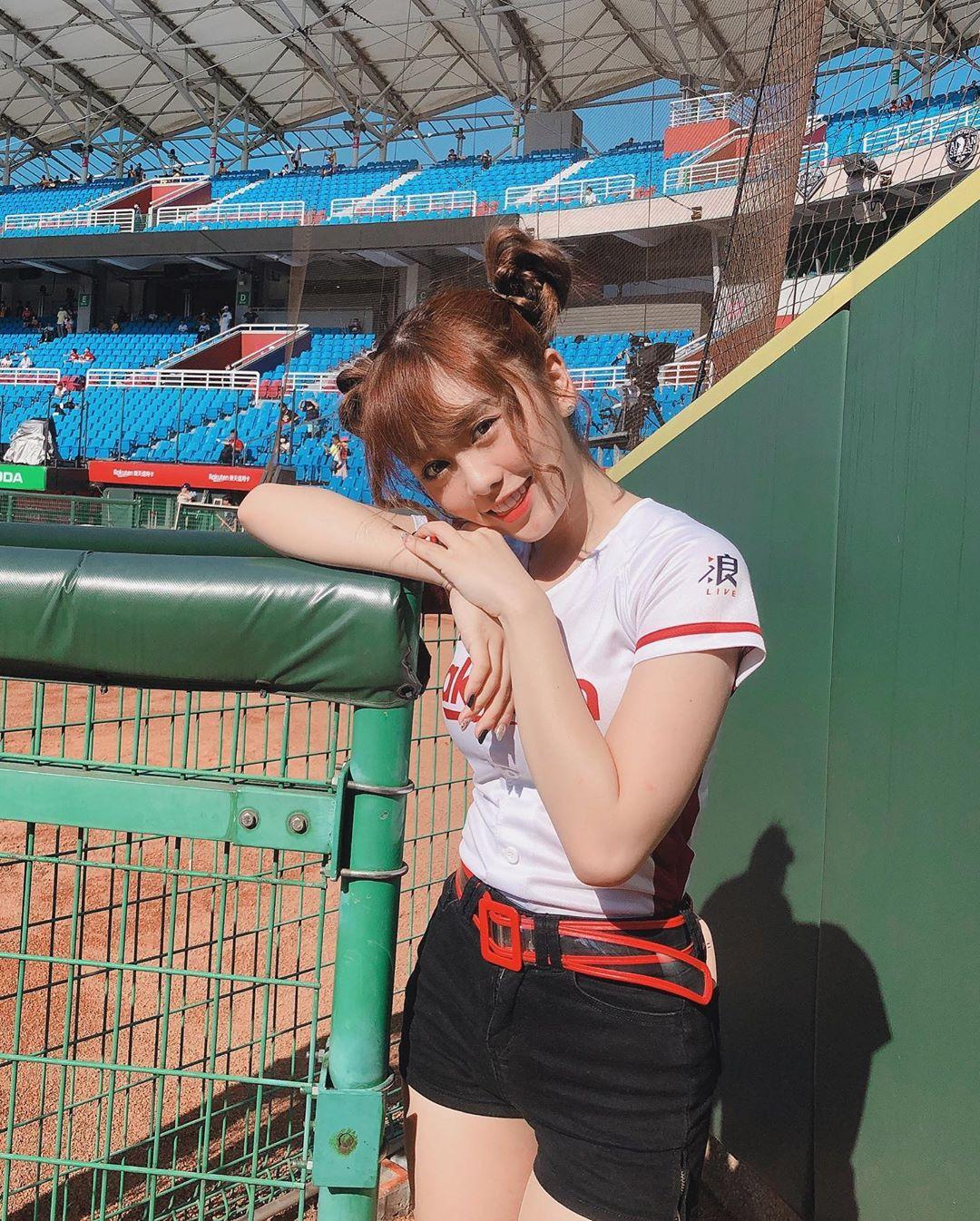 樂天女孩 若潼 她就是我看棒球唯一的動力 - 美女圖 -