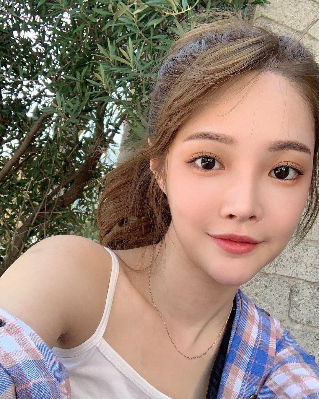 陳夢晨  E奶女神不僅身材好、還有著天使臉蛋 - 美女圖 -